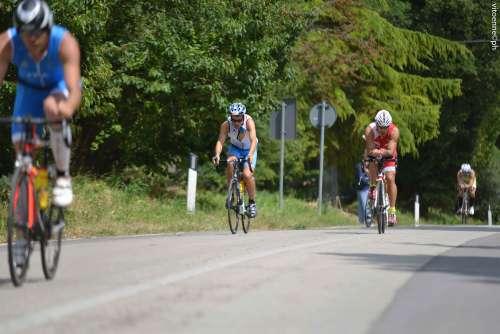 Triathlon La Bici Per Migliorare La Forza E La Resistenza Triathlon Mute Triathlon Bici Triathlon Abbigliamento Triathlon Scarpe Triathlon Accessori Triathlon 2xu Zoot X Bionic