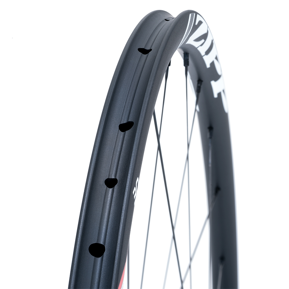 RUOTE ZIPP 30 COURSE DISC BRAKE TUBULAR rim.jpg